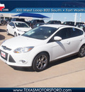 ford focus 2013 white hatchback se 4 cylinders automatic 76108