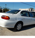 chevrolet classic 2005 white sedan fleet gasoline 4 cylinders front wheel drive automatic with overdrive 77627
