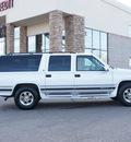 gmc suburban 1997 white suv 1500 v8 automatic 80229