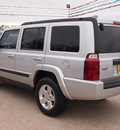 jeep commander 2008 silver suv sport gasoline 6 cylinders 2 wheel drive automatic with overdrive 77340