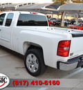 chevrolet silverado 1500 2009 white pickup truck lt 8 cylinders automatic 76051