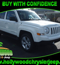 jeep patriot 2013 white suv latitude fwd gasoline 4 cylinders front wheel drive cont  variable trans  33021