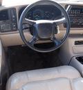 chevrolet suburban 2001 lt  gray suv 1500 lt gasoline 8 cylinders rear wheel drive automatic 76234