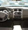 dodge dakota 2006 white pickup truck slt gasoline 8 cylinders rear wheel drive automatic 76206