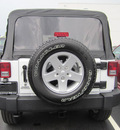 jeep wrangler unlimited 2012 white suv sport gasoline 6 cylinders 4 wheel drive manual 33157