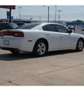 dodge charger 2012 white sedan se gasoline 6 cylinders rear wheel drive automatic 79110