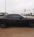 dodge challenger 2013 black coupe sxt flex fuel 6 cylinders rear wheel drive automatic 76011