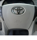 toyota sienna 2013 silver van le 8 passenger gasoline 6 cylinders front wheel drive automatic 78232