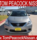 nissan versa 2013 white sedan 1 6 s plus gasoline 4 cylinders front wheel drive cont  variable trans  77090