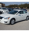 nissan altima 2014 white sedan 2 5 s gasoline 4 cylinders front wheel drive automatic 76116