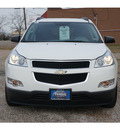 chevrolet traverse 2011 white ls 6 cylinders automatic 75606
