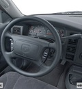 dodge dakota 2001 sport 8 cylinders 4 speed automatic 78217