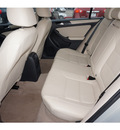volkswagen jetta 2012 silver sedan se gasoline 5 cylinders front wheel drive automatic 78520